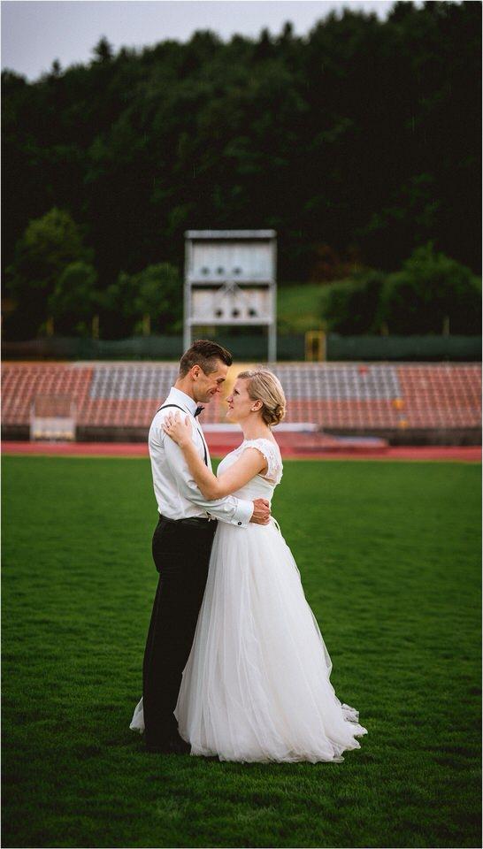 04 rustic barn wedding slovenia kozolec dezela kozolcev poroka zunaj novo mesto sentrupert prepih dolenjska slovenija (12).jpg