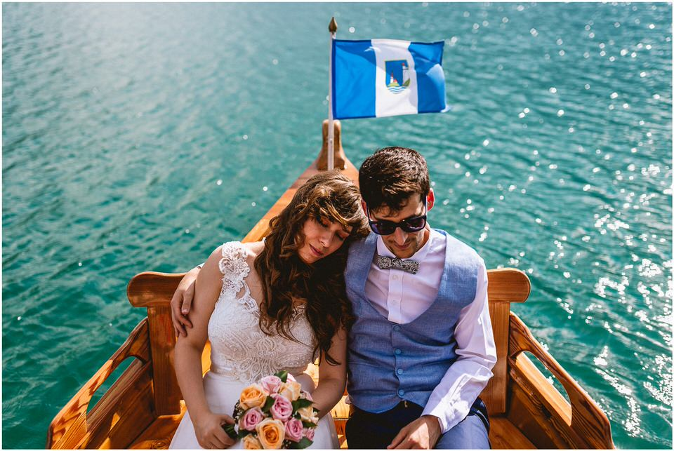 03 poroka bled otok porocni fotograf grega nika jezero maticni urad blejsko jezero pletna  (17).jpg