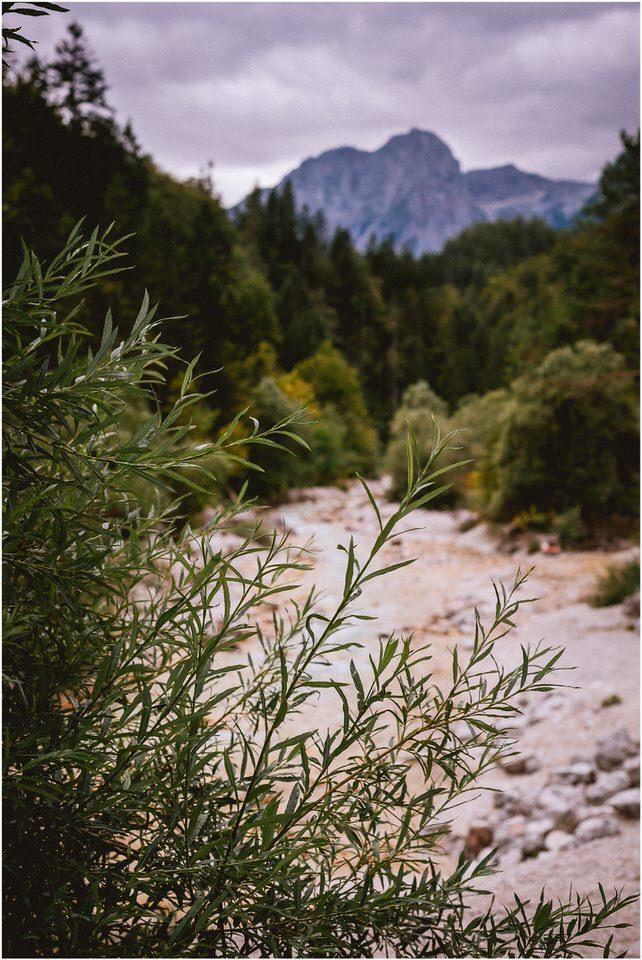 02 kranjska gora poroka porocni fotograf nika grega slap zelenci narava triglavski narodni park zaroka predporocno fotografiranje (2).jpg