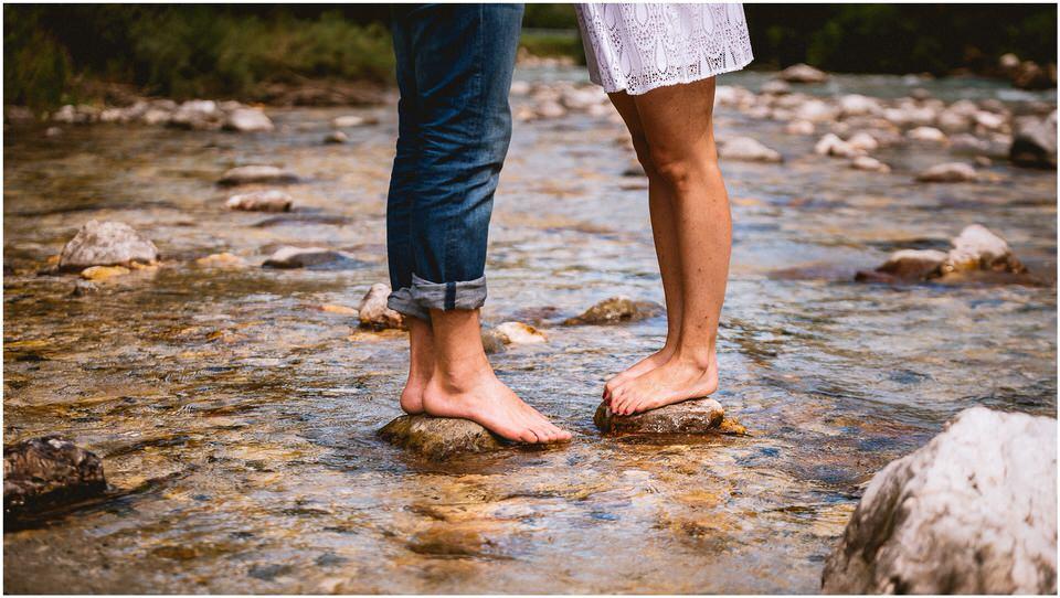 02 kranjska gora poroka porocni fotograf nika grega slap zelenci narava triglavski narodni park zaroka predporocno fotografiranje (8).jpg