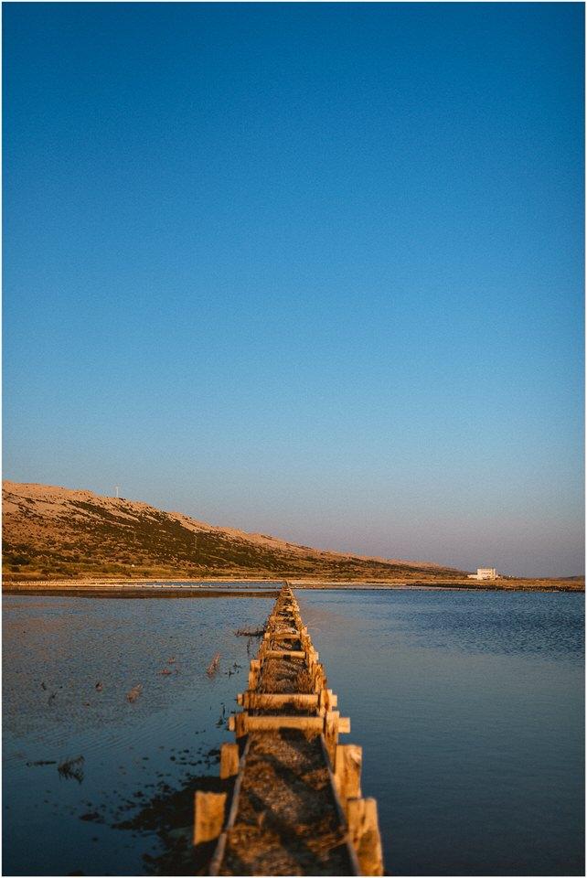 02 Poroka predporocno fotografiranje zaroka zarocno otok pag nika grega porocni fotograf slovenija hrvaska (18).jpg