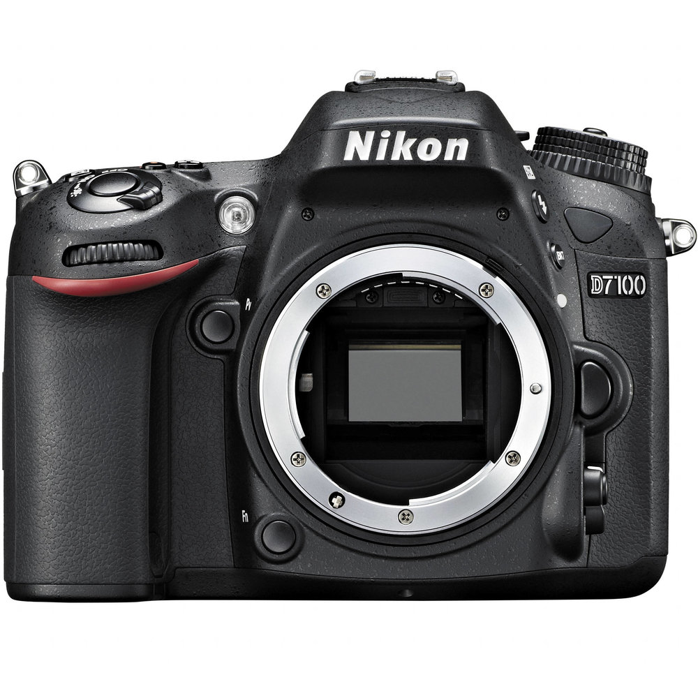 Backup Nikon D7100 used by wedding photographers Nika and Grega.jpg