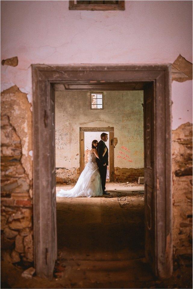 06 poroka grad podcetrtek porocni fotograf nika grega zaroka ljubljana olimje jelenov greben vintage rustikalni stil potonike010.jpg