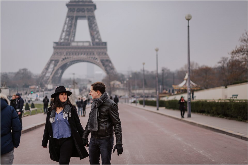 03 elopement wedding engagement honeymoon anniversary photographer paris france nika grega europe couple session photoshoot moody rainy  (2).jpg