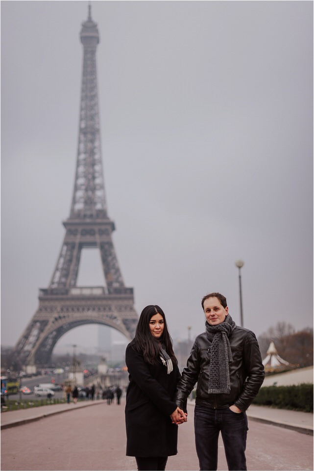 03 elopement wedding engagement honeymoon anniversary photographer paris france nika grega europe couple session photoshoot moody rainy  (6).jpg