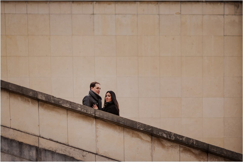 03 elopement wedding engagement honeymoon anniversary photographer paris france nika grega europe couple session photoshoot moody rainy  (7).jpg