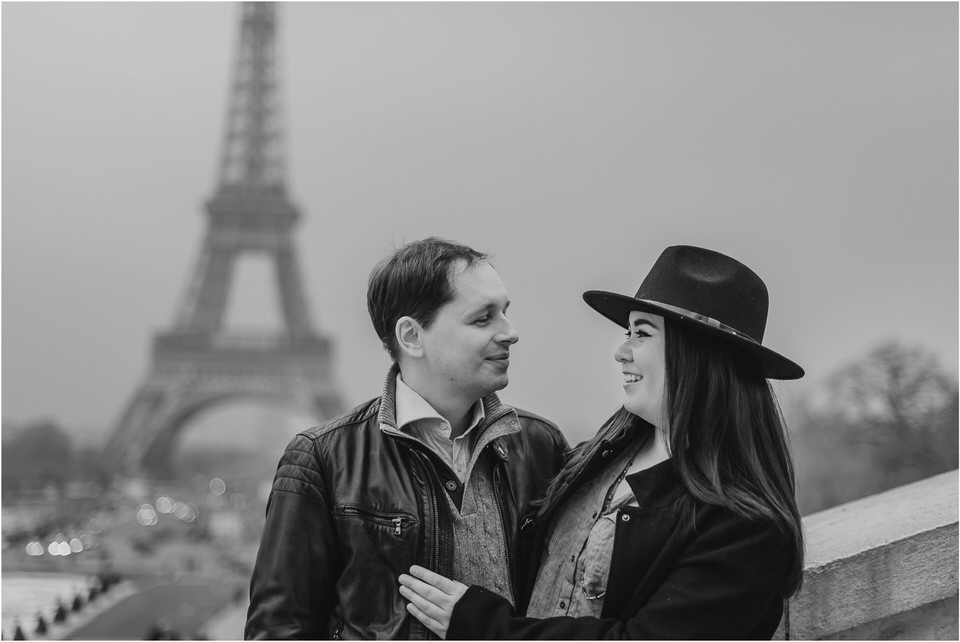 04 Paris tour eiffel tower engagement wedding anniversary honeymoon photographer photoshoot photosession sacre coer coffeshop  (4).jpg