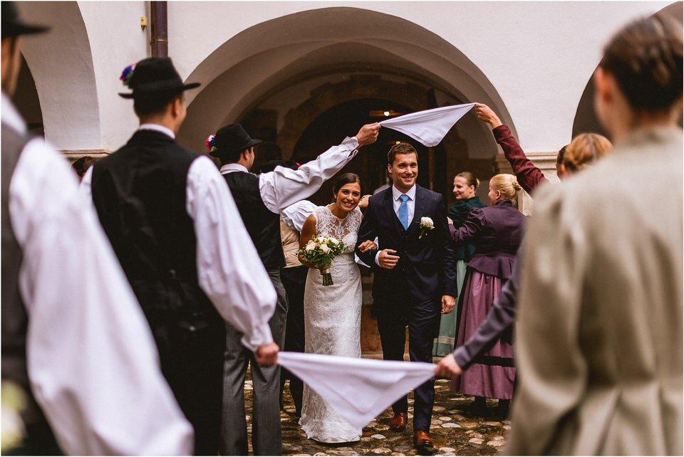 03 poroka v naravi tri lucke slovenija posavje krsko brezice sevnica rajhenburg grad rustikalna cipka romantika 011.jpg