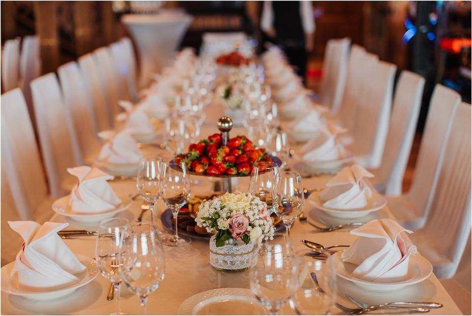 wedding slovenia dular kostanjek poroka porocni fotograf fotografiranje slovenia engagement rustic wedding romantic rustikalna poroka porocim se sentjernej 035.jpg
