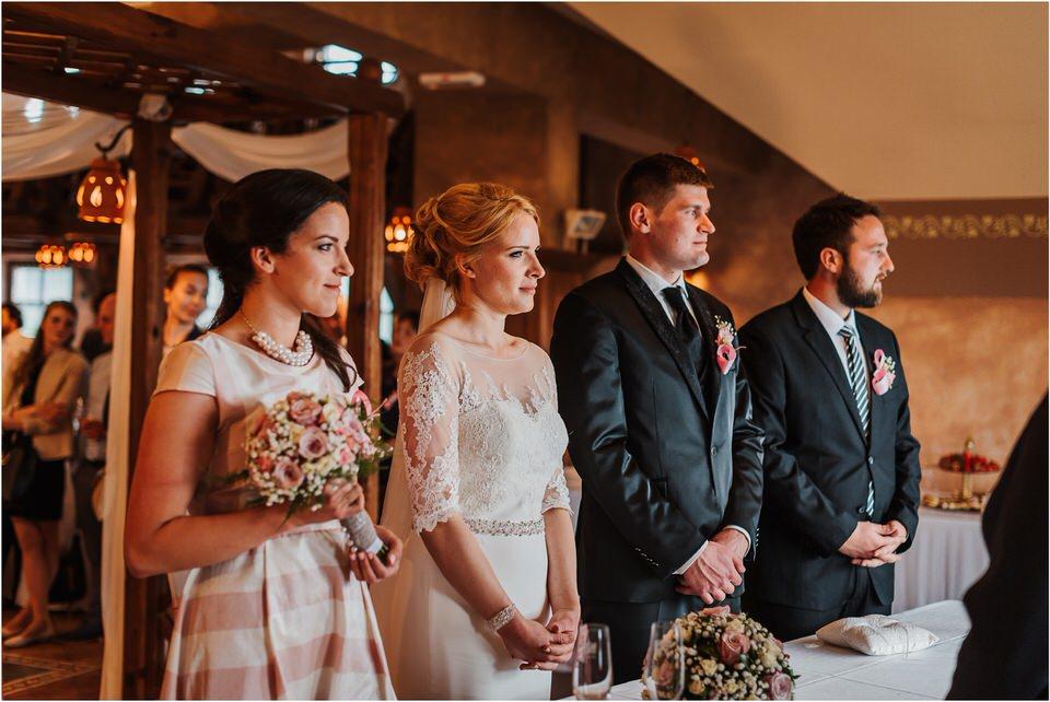 wedding slovenia dular kostanjek poroka porocni fotograf fotografiranje slovenia engagement rustic wedding romantic rustikalna poroka porocim se sentjernej 043.jpg
