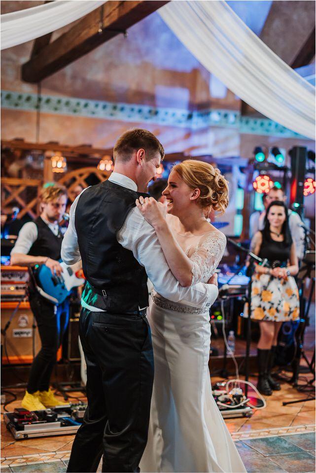 wedding slovenia dular kostanjek poroka porocni fotograf fotografiranje slovenia engagement rustic wedding romantic rustikalna poroka porocim se sentjernej 048.jpg