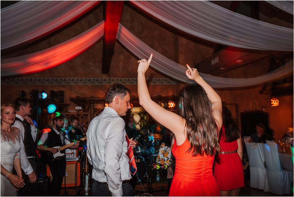 wedding slovenia dular kostanjek poroka porocni fotograf fotografiranje slovenia engagement rustic wedding romantic rustikalna poroka porocim se sentjernej 074.jpg