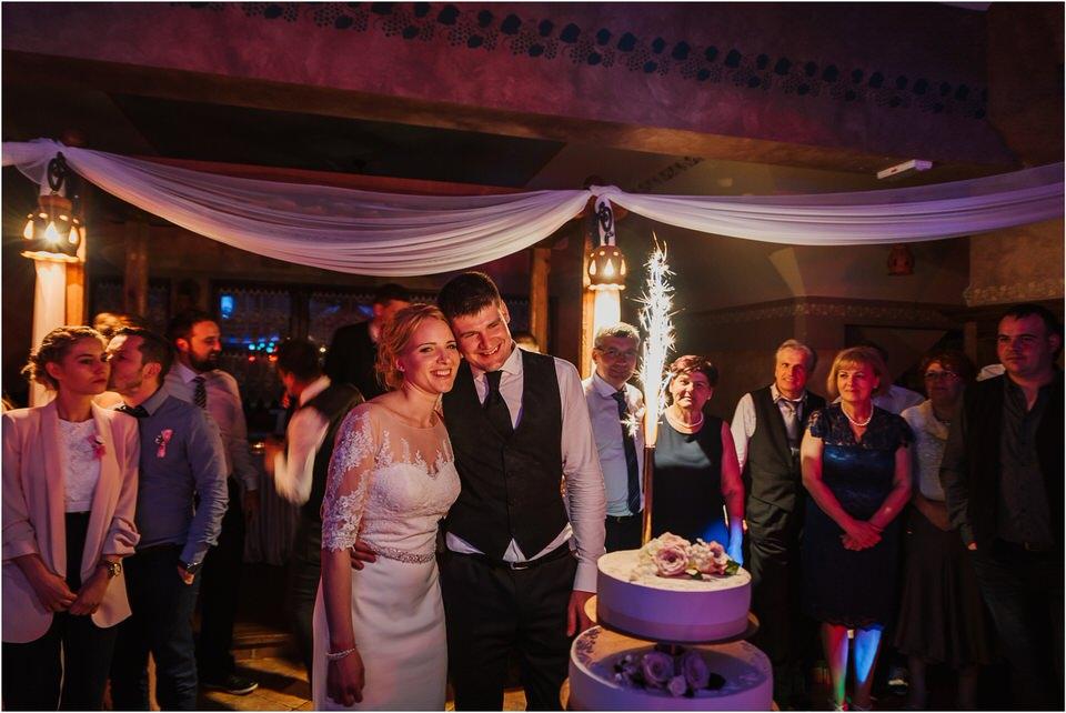 wedding slovenia dular kostanjek poroka porocni fotograf fotografiranje slovenia engagement rustic wedding romantic rustikalna poroka porocim se sentjernej 077.jpg