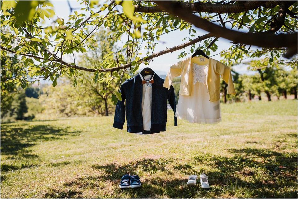 poroka vinski dvor deu maj spomlad porocni fotograf fotografiranje rustika romantika nika grega narava organska poroka zaroka slovenija 0004.jpg