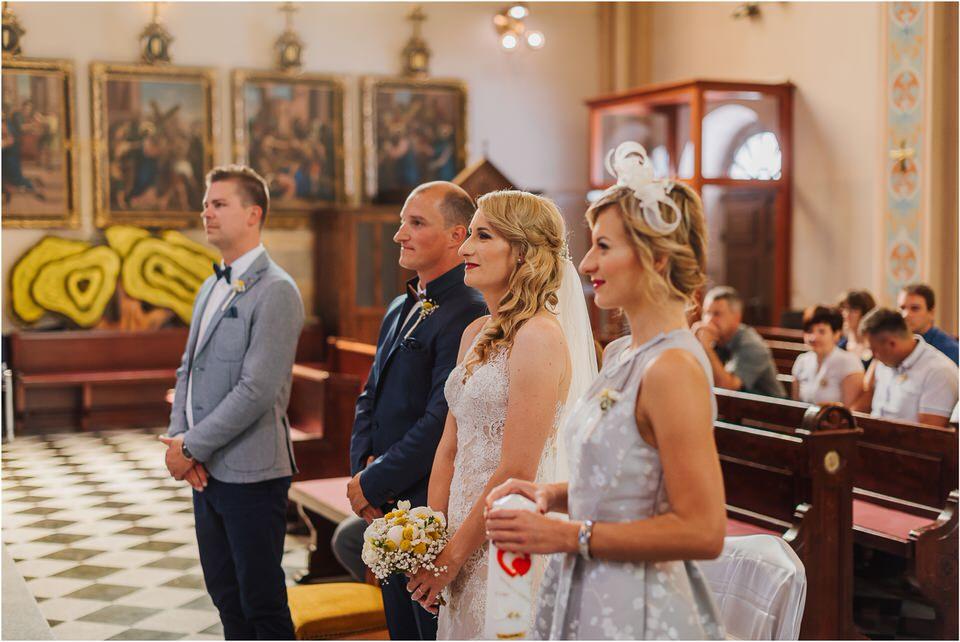 poroka vinski dvor deu maj spomlad porocni fotograf fotografiranje rustika romantika nika grega narava organska poroka zaroka slovenija 0032.jpg