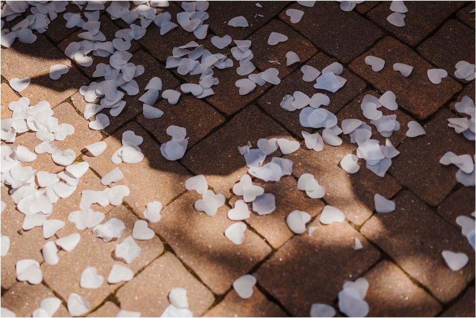 poroka vinski dvor deu maj spomlad porocni fotograf fotografiranje rustika romantika nika grega narava organska poroka zaroka slovenija 0037.jpg