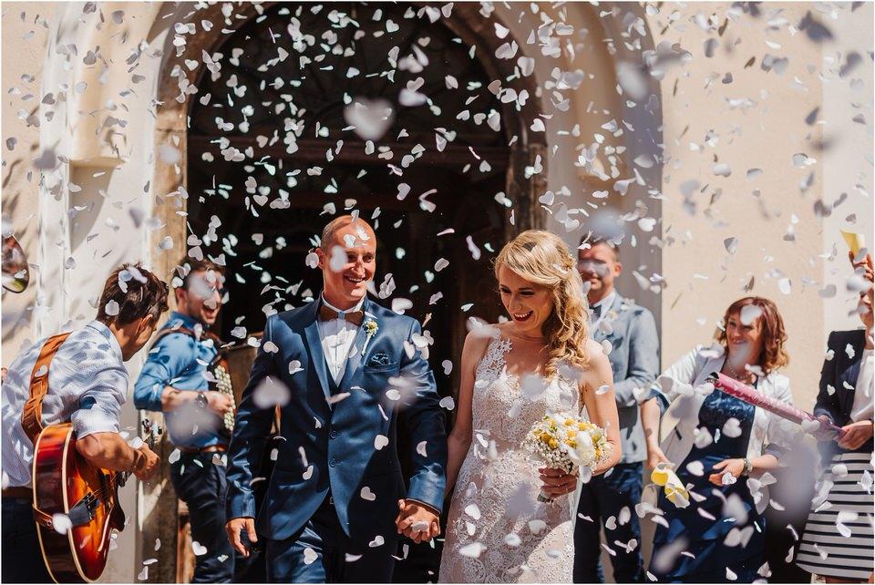 poroka vinski dvor deu maj spomlad porocni fotograf fotografiranje rustika romantika nika grega narava organska poroka zaroka slovenija 0036.jpg