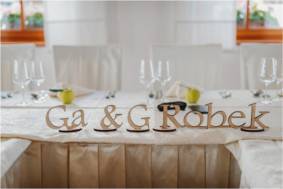 poroka vinski dvor deu maj spomlad porocni fotograf fotografiranje rustika romantika nika grega narava organska poroka zaroka slovenija 0041.jpg