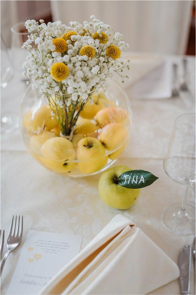 poroka vinski dvor deu maj spomlad porocni fotograf fotografiranje rustika romantika nika grega narava organska poroka zaroka slovenija 0043.jpg