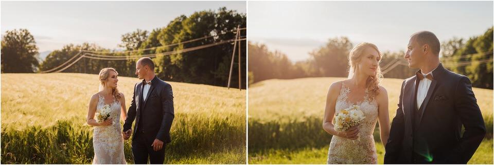 poroka vinski dvor deu maj spomlad porocni fotograf fotografiranje rustika romantika nika grega narava organska poroka zaroka slovenija 0066.jpg