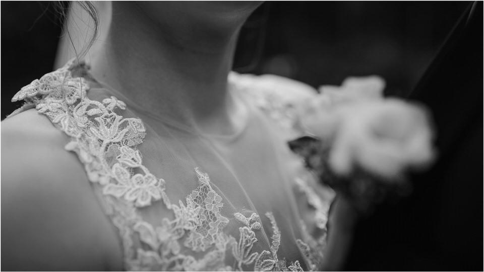 poroka gorenjska wedding slovenia photographer destionation kranj kamnik kamniska bistrica repnik penzion fotografiranje fotograf sanjska obleka 0032.jpg