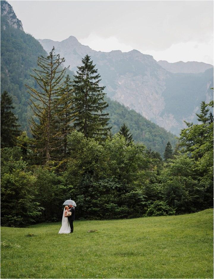 poroka gorenjska wedding slovenia photographer destionation kranj kamnik kamniska bistrica repnik penzion fotografiranje fotograf sanjska obleka 0042.jpg