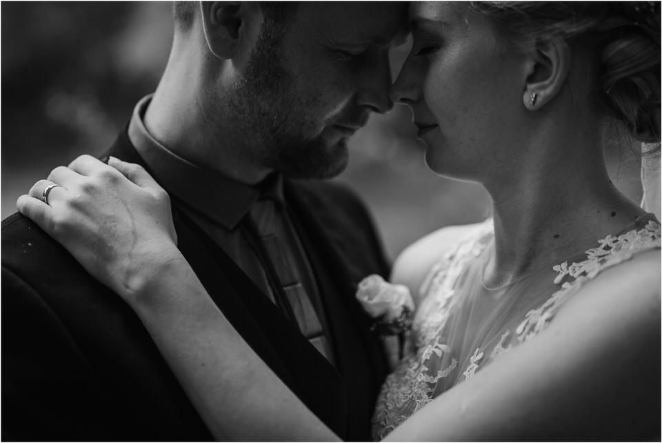 poroka gorenjska wedding slovenia photographer destionation kranj kamnik kamniska bistrica repnik penzion fotografiranje fotograf sanjska obleka 0046.jpg