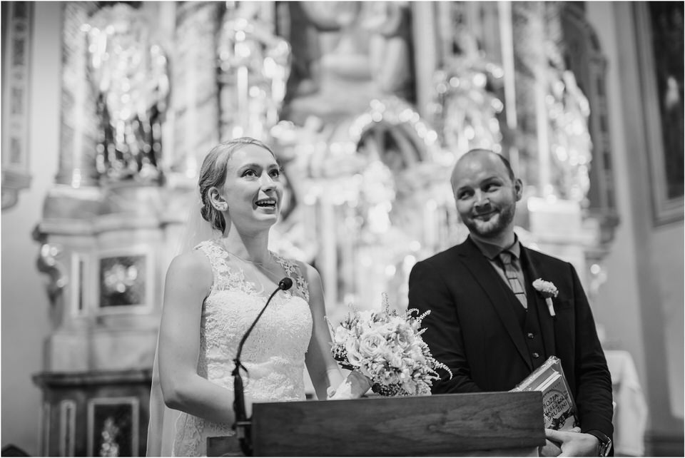 poroka gorenjska wedding slovenia photographer destionation kranj kamnik kamniska bistrica repnik penzion fotografiranje fotograf sanjska obleka 0057.jpg