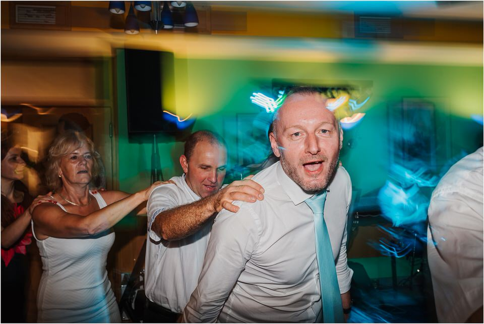 poroka gorenjska wedding slovenia photographer destionation kranj kamnik kamniska bistrica repnik penzion fotografiranje fotograf sanjska obleka 0077.jpg