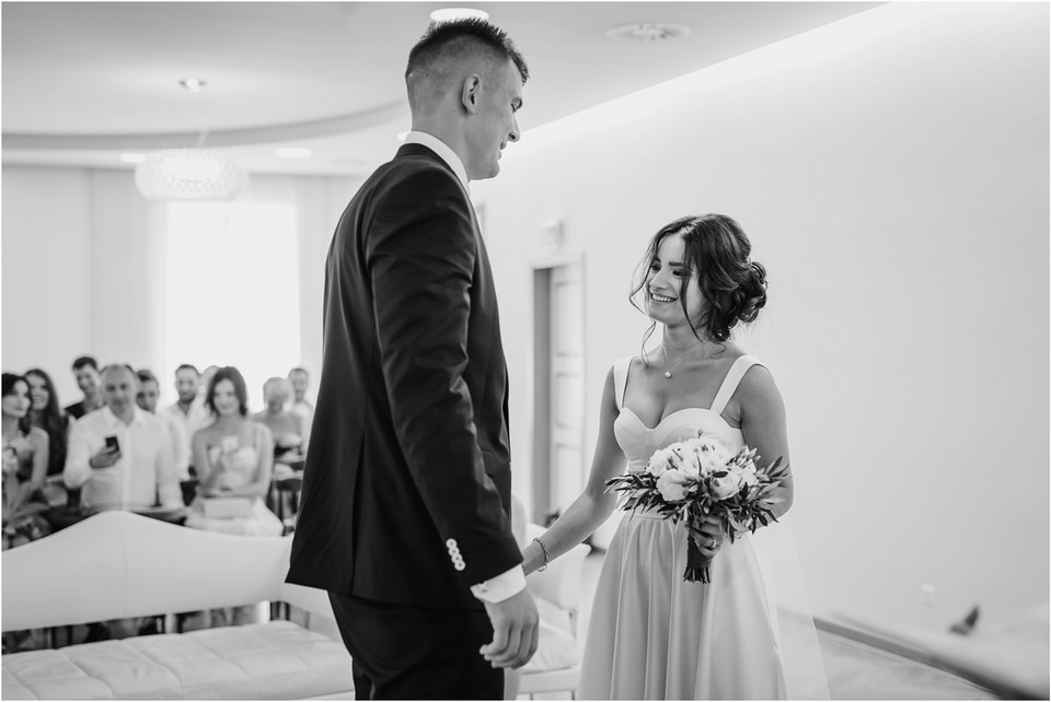 austria wedding photographer elegant boho wedding intimate slovenia klagenfurt woerthersee hochzeit nika grega jimmy choo stadthaus 0005.jpg