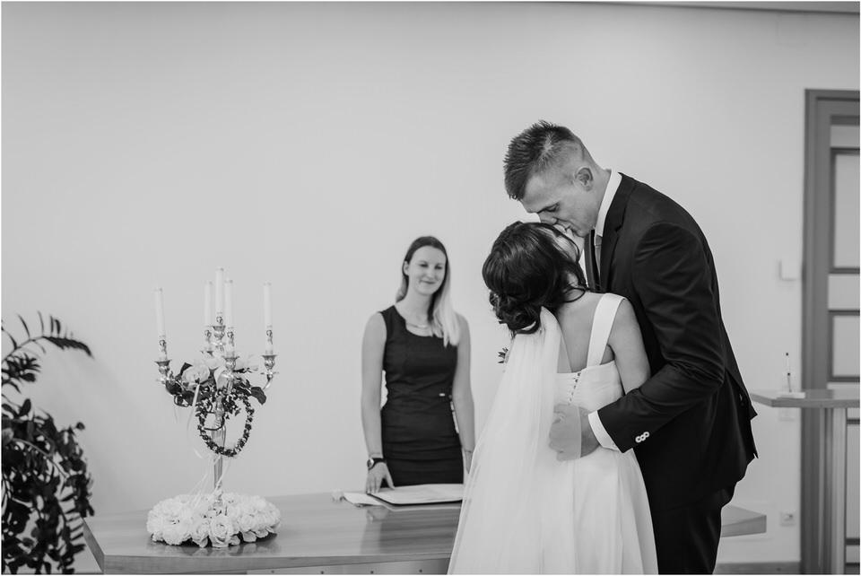 austria wedding photographer elegant boho wedding intimate slovenia klagenfurt woerthersee hochzeit nika grega jimmy choo stadthaus 0007.jpg