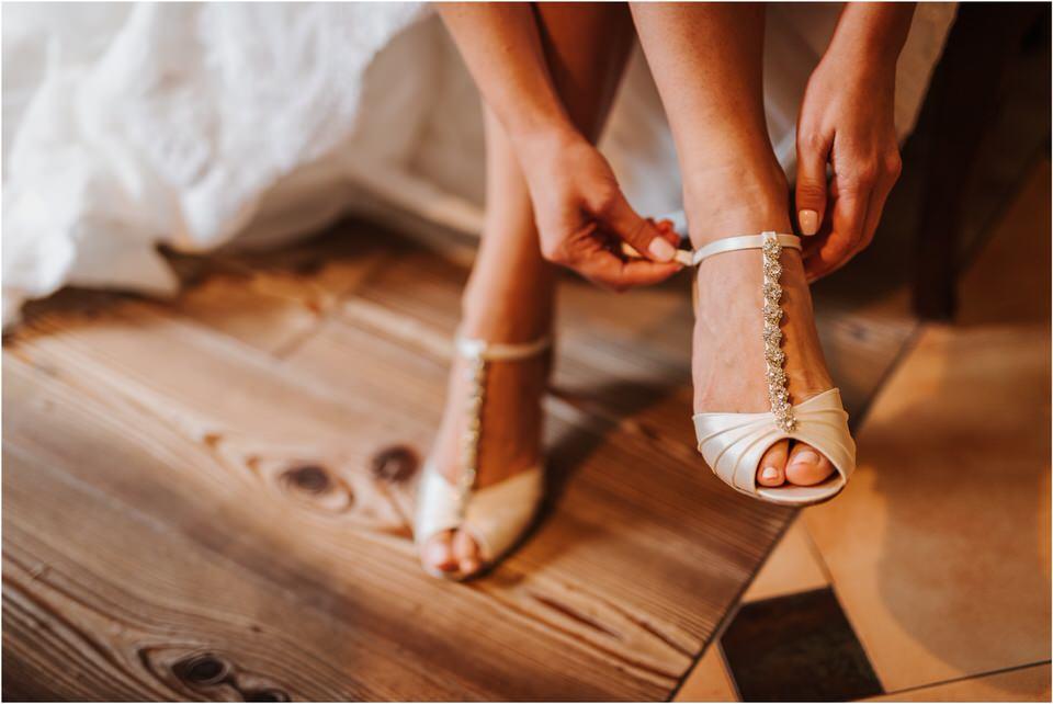 slovenia wedding poroka penzion repnik rustikalna poroka romantika spellas wedding photographer fotografija fotografiranje zaroka porocni fotograf lake bled wedding 0014.jpg