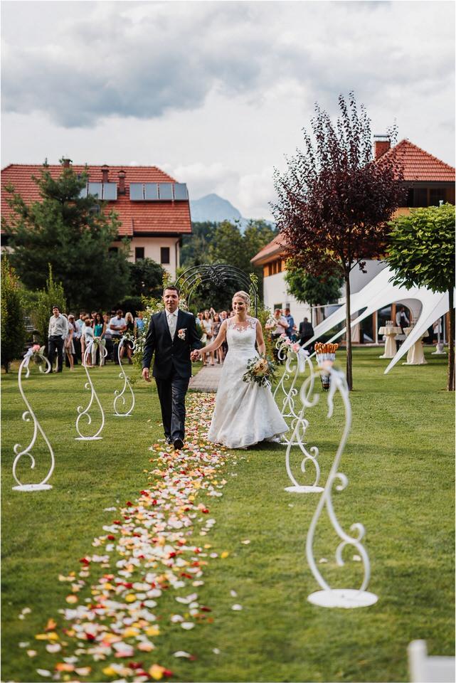 slovenia wedding poroka penzion repnik rustikalna poroka romantika spellas wedding photographer fotografija fotografiranje zaroka porocni fotograf lake bled wedding 0060.jpg