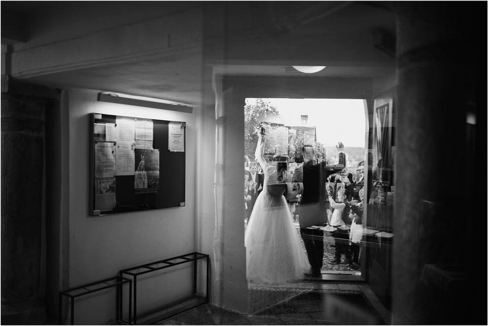 poroka novo mesto dolenjska wedding elopement photographer vintage wedding fotograf porocni fotograf gostisce loka nika grega rustikalna poroka 0094.jpg