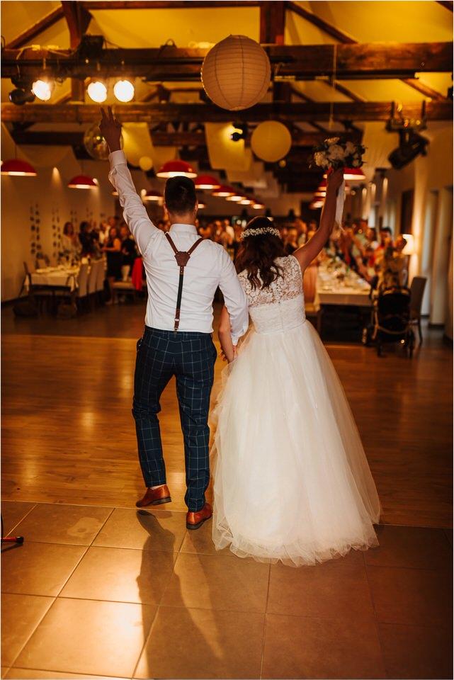 poroka novo mesto dolenjska wedding elopement photographer vintage wedding fotograf porocni fotograf gostisce loka nika grega rustikalna poroka 0130.jpg