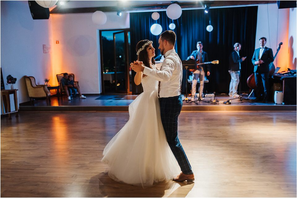 poroka novo mesto dolenjska wedding elopement photographer vintage wedding fotograf porocni fotograf gostisce loka nika grega rustikalna poroka 0132.jpg