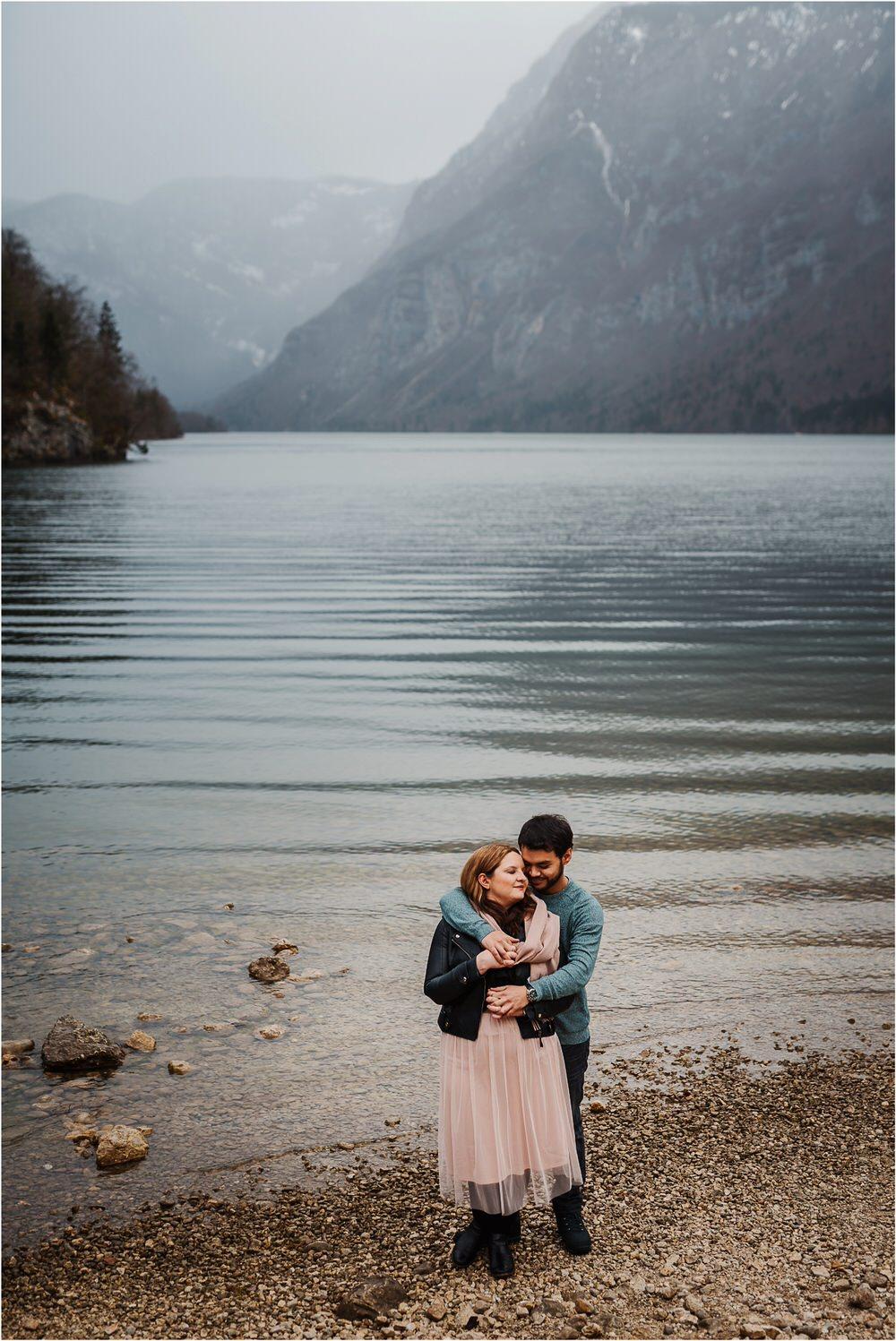 lake bohinj engagement photographer slovenia zaroka bohinjsko jezero fotografiranje bohinj slovenija naravno timeless 0014.jpg