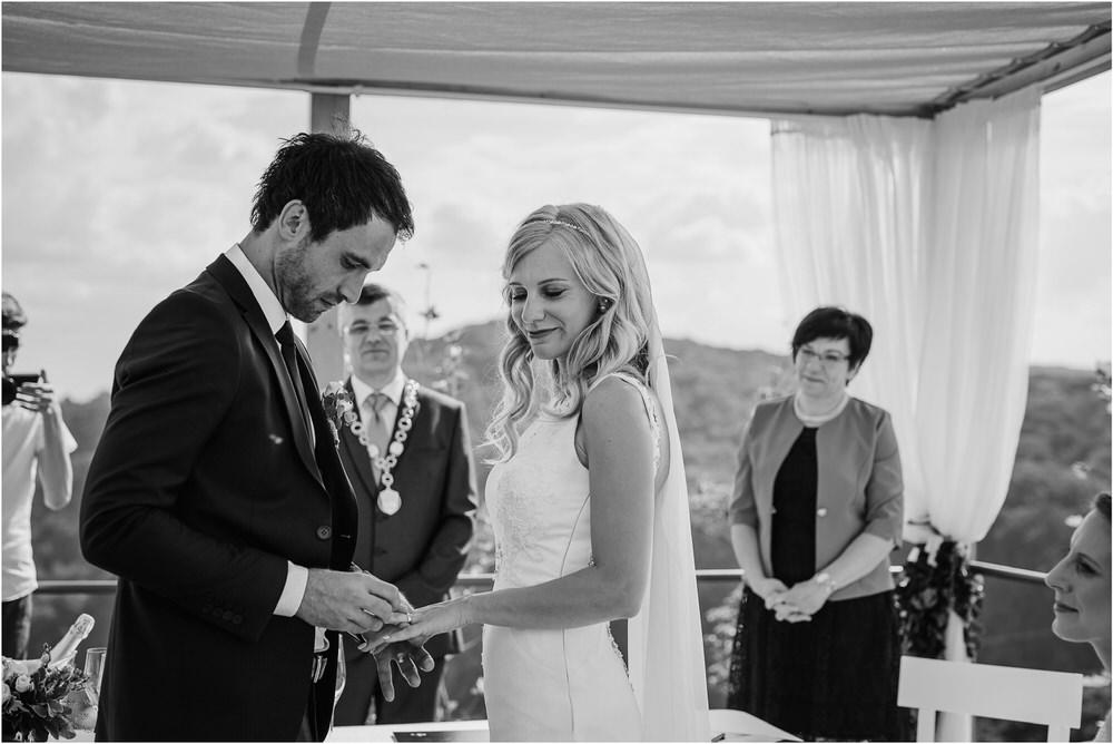 tri lucke slovenija krsko posavje poroka porocni fotograf fotografiranje elegantna poroka vinograd classy elegant wedding slovenia 0043.jpg