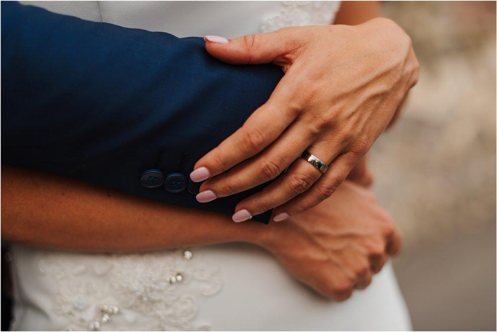 tri lucke slovenija krsko posavje poroka porocni fotograf fotografiranje elegantna poroka vinograd classy elegant wedding slovenia 0060.jpg