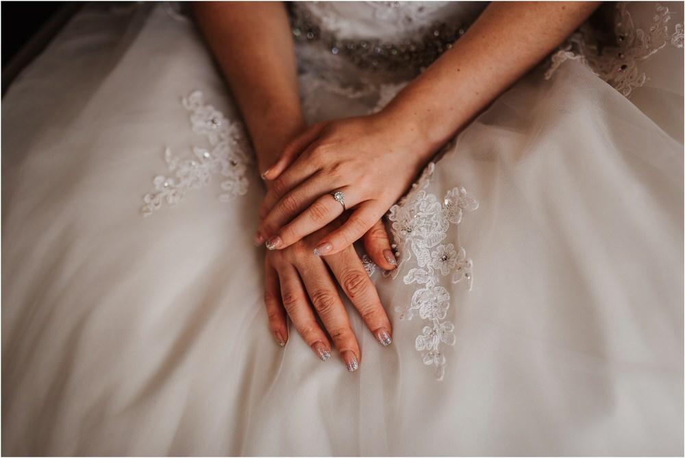 zicka kartuzija poroka porocni fotograf fotografija luka in ben loce elegantna poroka slovenski porocni fotograf  0028.jpg