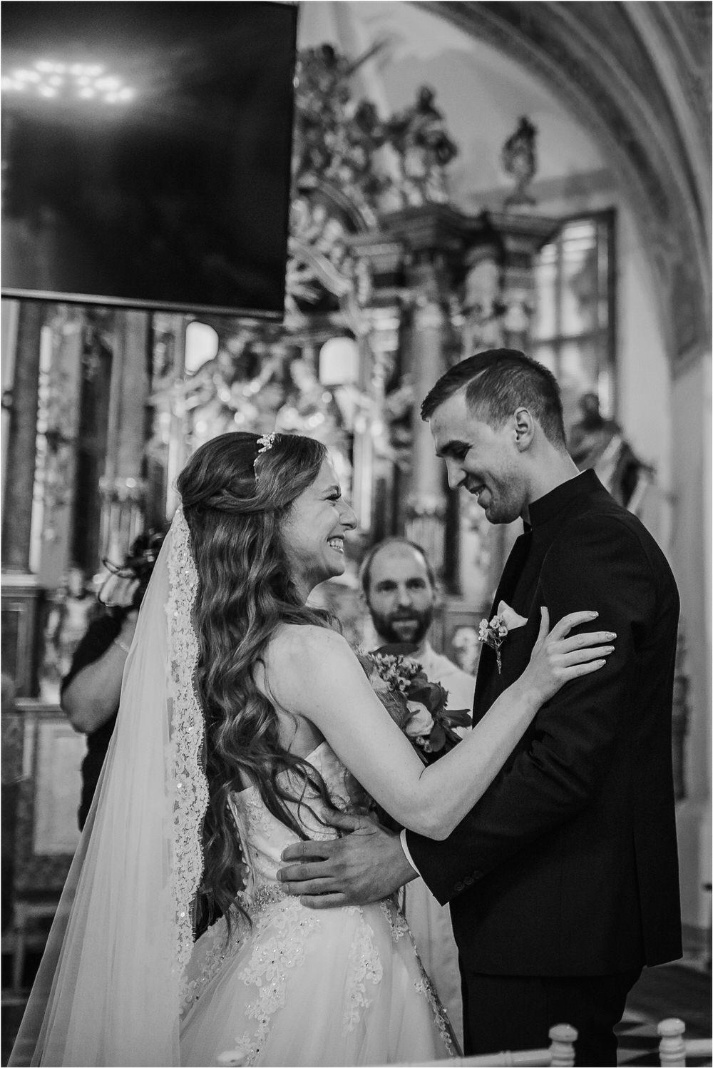 zicka kartuzija poroka porocni fotograf fotografija luka in ben loce elegantna poroka slovenski porocni fotograf  0036.jpg