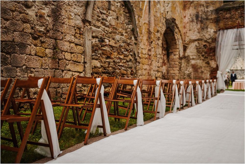 zicka kartuzija poroka porocni fotograf fotografija luka in ben loce elegantna poroka slovenski porocni fotograf  0052.jpg