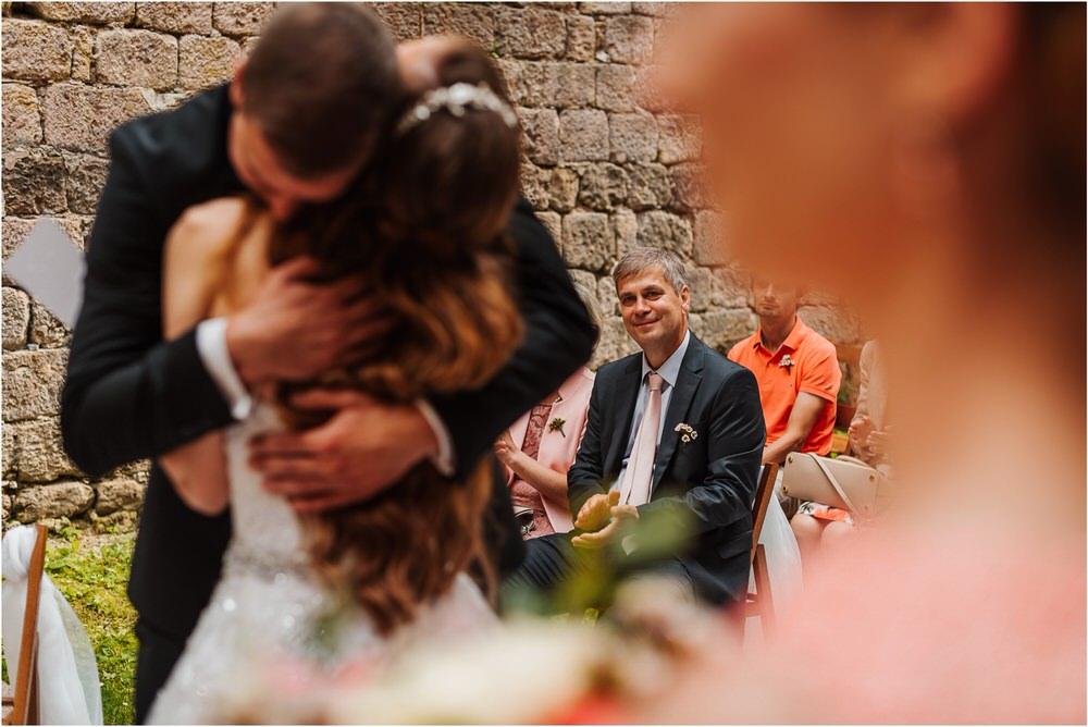 zicka kartuzija poroka porocni fotograf fotografija luka in ben loce elegantna poroka slovenski porocni fotograf  0060.jpg