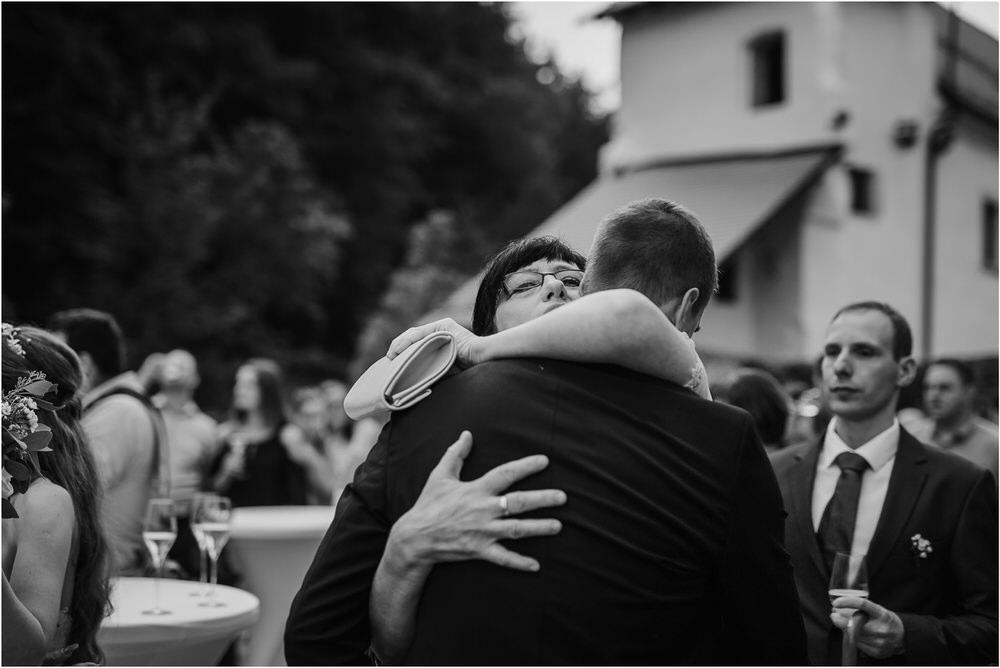 zicka kartuzija poroka porocni fotograf fotografija luka in ben loce elegantna poroka slovenski porocni fotograf  0066.jpg