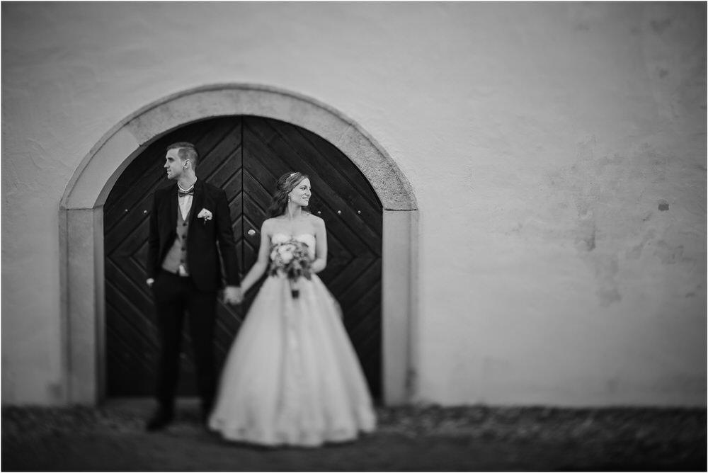 zicka kartuzija poroka porocni fotograf fotografija luka in ben loce elegantna poroka slovenski porocni fotograf  0073.jpg