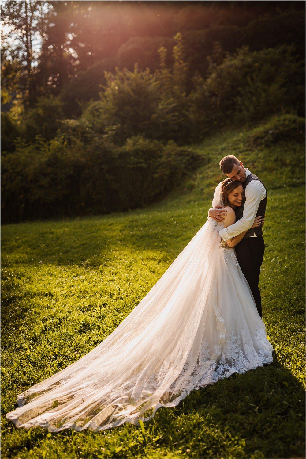 zicka kartuzija poroka porocni fotograf fotografija luka in ben loce elegantna poroka slovenski porocni fotograf  0084.jpg