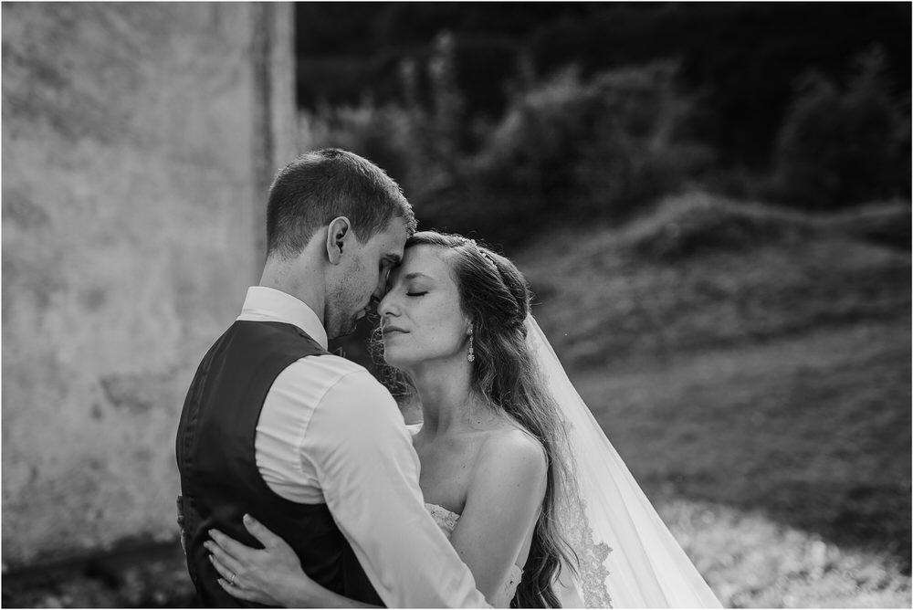zicka kartuzija poroka porocni fotograf fotografija luka in ben loce elegantna poroka slovenski porocni fotograf  0087.jpg