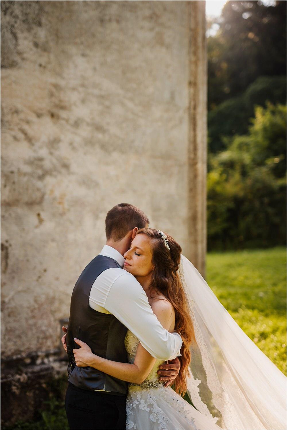 zicka kartuzija poroka porocni fotograf fotografija luka in ben loce elegantna poroka slovenski porocni fotograf  0086.jpg