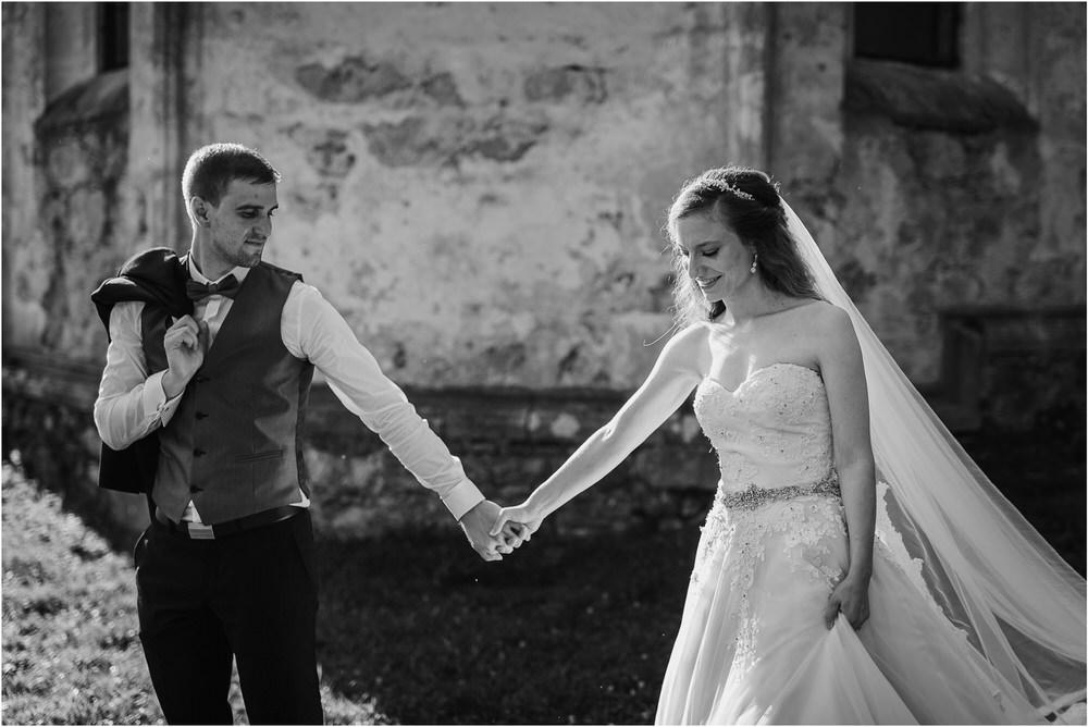 zicka kartuzija poroka porocni fotograf fotografija luka in ben loce elegantna poroka slovenski porocni fotograf  0089.jpg