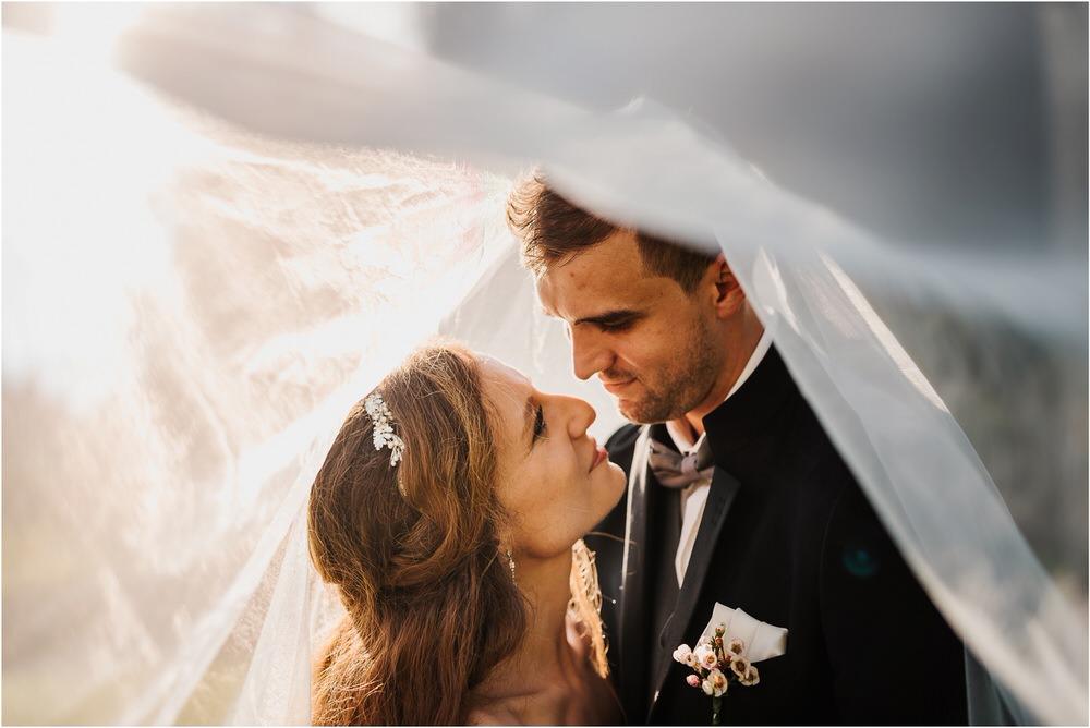 zicka kartuzija poroka porocni fotograf fotografija luka in ben loce elegantna poroka slovenski porocni fotograf  0094.jpg